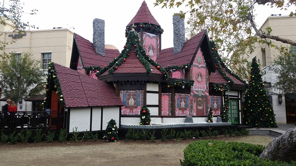 Picture of Kung Fu Panda Santa Adventure House in Victoria Gardens, Rancho Cucamonga